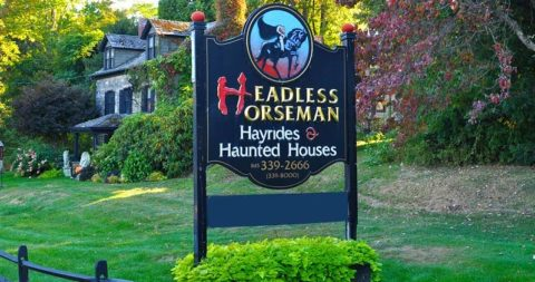 Headless Horseman Hayrides and Haunted Houes