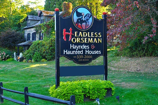 Headless Horseman Hay Rides and Haunted Houses